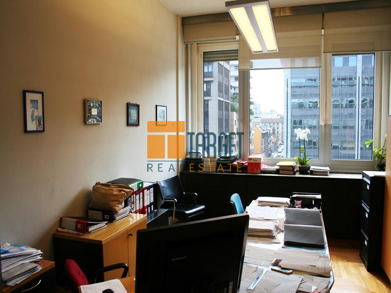 Affitto ufficio milano 20124 via vittor pisani for Uffici a milano